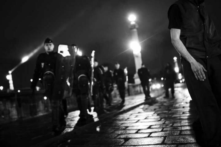 franzosische-sicherheitskrafte-am-9-mai-gazette-debout