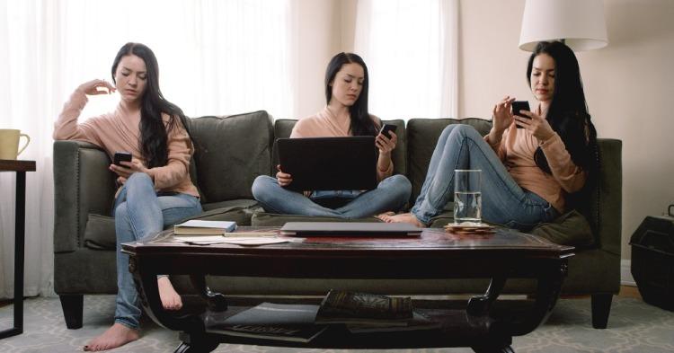 Die Filmemacherin Kerith Lemon hat mit A Social Life einen kritischen Kurzfilm über die Selbstdarstellung in den sozialen Medien vorgestellt. Im Mittelpunkt steht die Antiheldin Meredith, die ihr Leben digital inszeniert.