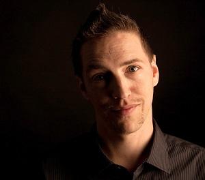 Christian Gielow ist Grafikdesigner und Community-Autor von Neue Debatte.