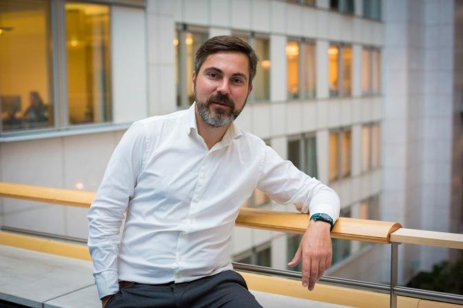 """Fabio De Masi: """"Wir müssen mit der EU der Banken und Konzerne brechen!"""""""