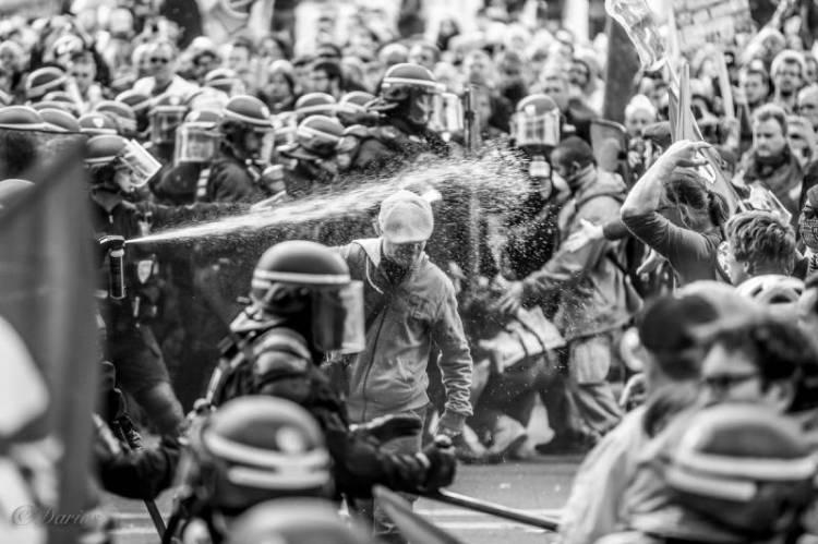 Nuit Debout zeigte ein zweifelshaftes Verhalten der Polizei auf.