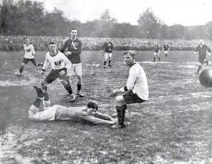 Spiel Österreich gegen Ungarn im April 1913 - Gemeinfrei