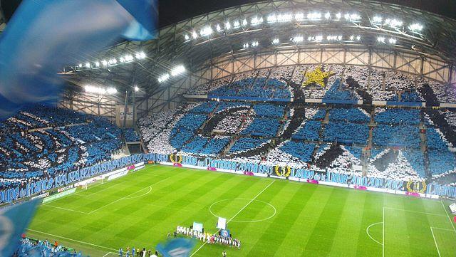 Choreografie der Fans von Olympique Marseille im Stade Vélodrome am 31. Spieltag der Saison 2014/15.