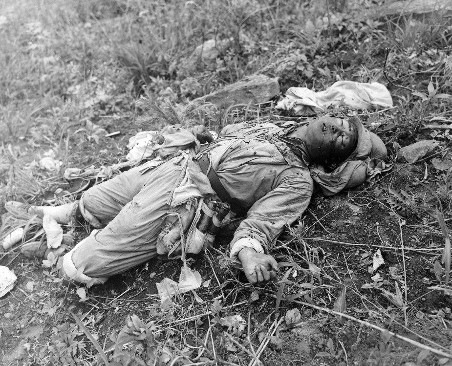 Getöteter chinesicher Soldaten im Koreakrieg US Archiv ARCWEB ARC Identifier 520794 NARA National Archives and Records Administration gemeinfrei