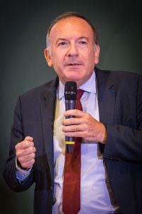 Pierre Gattaz (2015; von Claude Truong-Ngoc / Wikimedia Commons - CC BY-SA 3.0),