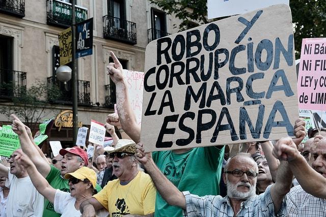 Corrupcion 2013 - Adolfo Lujan (Flickr); CC BY-NC-ND 2.0
