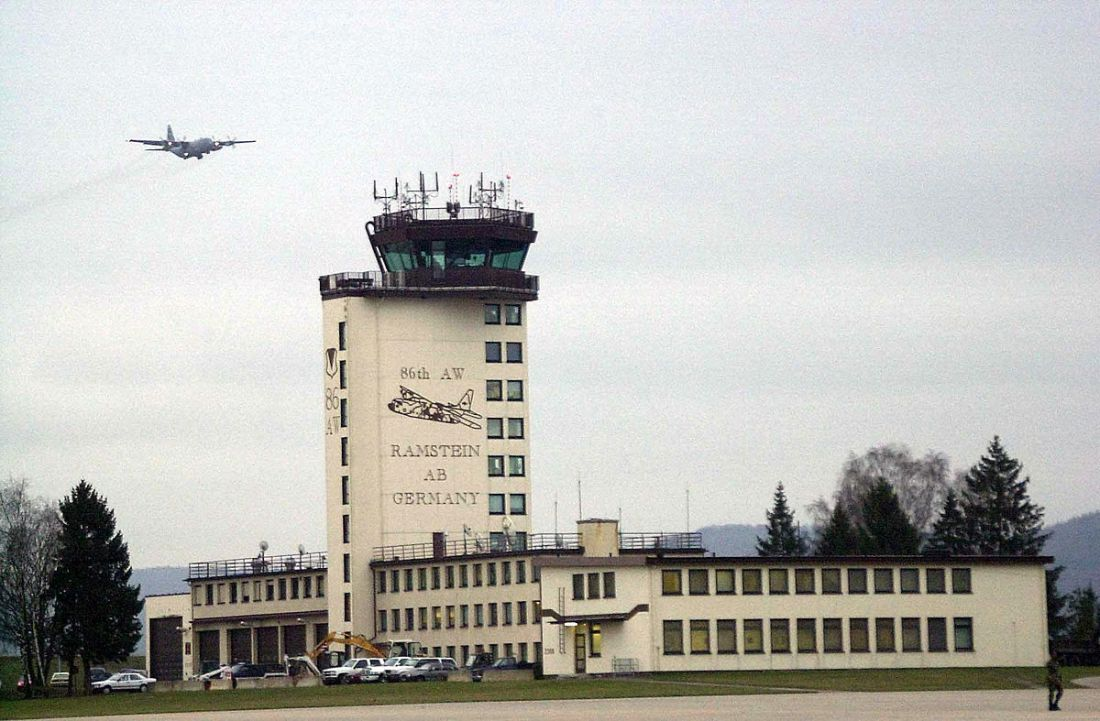 Ramstein AB Tower (Bild von TSGT David D. Underwood, Jr., US Air Force); Gemeinfrei.