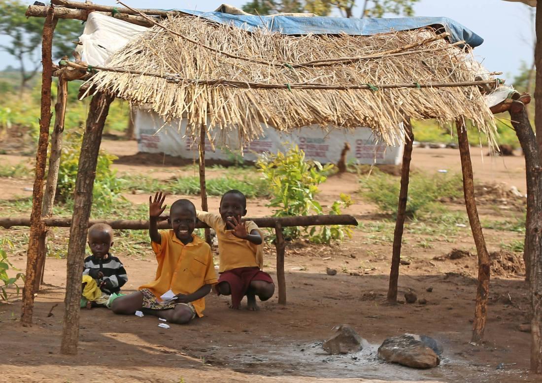 Unbegleitete Kinder im weltgrößten Flüchtlingscamp Bidi-Bidi in Ugandas Grenzgebiet zum Südsudan. © R.Manoutschehri