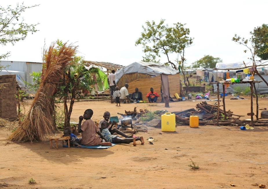 Unbegleitete Kinder im weltgrößten Flüchtlingscamp Bidi-Bidi in Ugandas Grenzgebiet zum Südsudan im Dez. 2016. © R.Manoutschehri