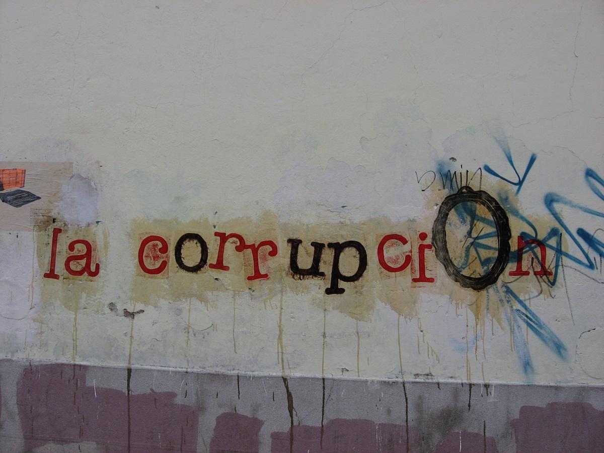 La Corruption -withquietintentions - flickr.com - CC BY-NC 2.0