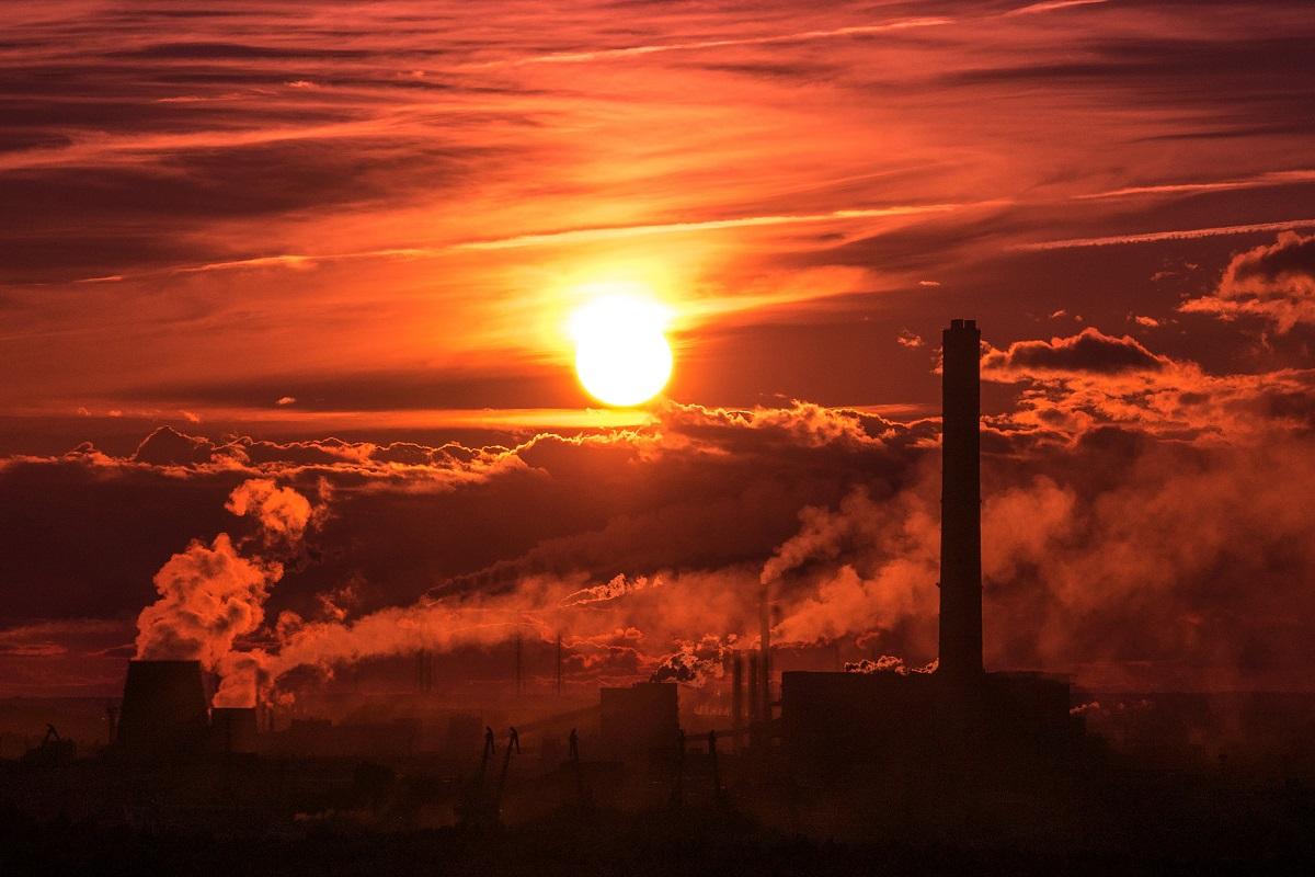 Fabrik und Industrieanlagen. (Foto: Ant Rozetsky; Unsplash.com