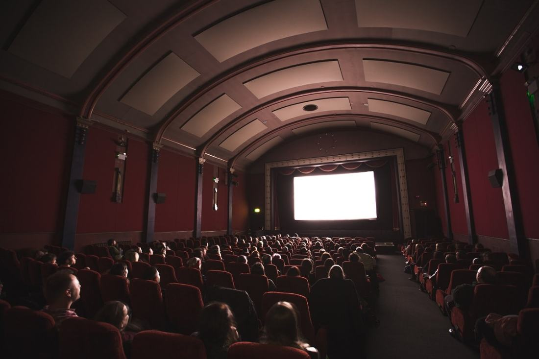 Film im Kino. (Foto: Jake Hills; Unsplash.com)