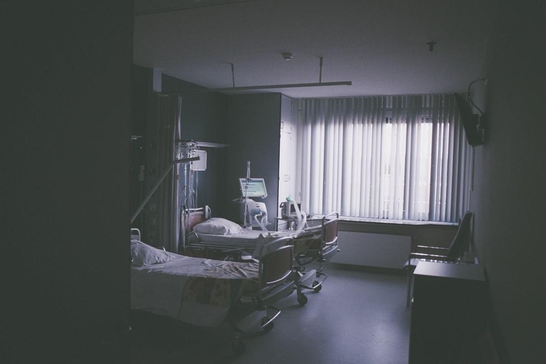 Blick in ein Krankenhauszimmer. (Foto: Daan Stevens; Unsplash.com)