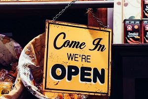Come in we are open. (Foto: Unsplash.com)