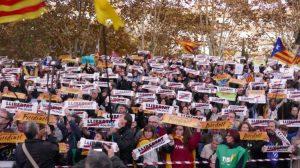Die Menschen fordern die Freiheit für politische Gefangene. (Foto: Krystyna Schreiber)