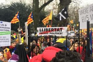 Bei der katalanischen Demo in Brüssel wurde Freiheit für politische Häftlinge gefordert. (Foto: Krystyna Schreiber)