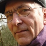 Gerhard Kugler ist Psychologischer Psychotherapeut. Er gehörte zu den Gründungsmitgliedern der Deutschen Gesellschaft für Verhaltenstherapie.