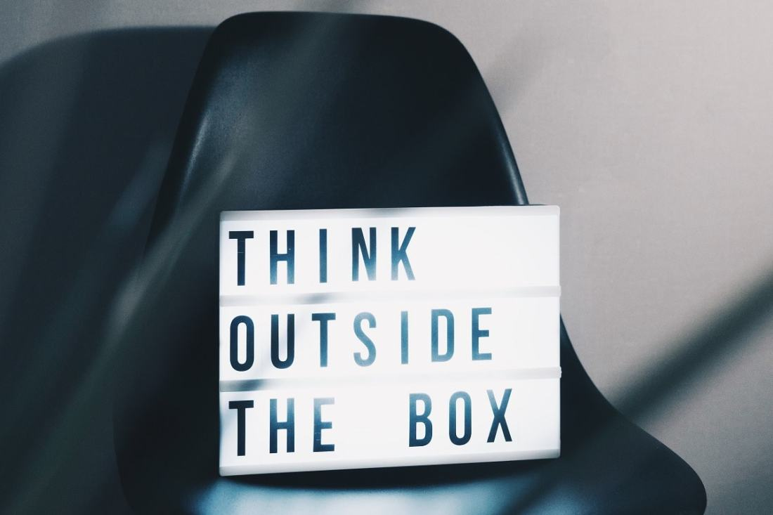 Think outside the box. (Foto: Nikita Kachanovsky, Unsplash.com)
