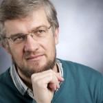 Roland Rottenfußer ist seit 2006 Chefredakteur von Hinter den Schlagzeilen.