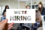 Wir suchen. We are hiring. (Foto: Geralt, Pixabay.com; Creative Commons CC0)