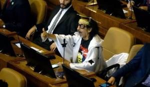 Florcita Motuda ist Künstler und Politiker in Chile. (Foto: Pressenza / El Desconcierto)