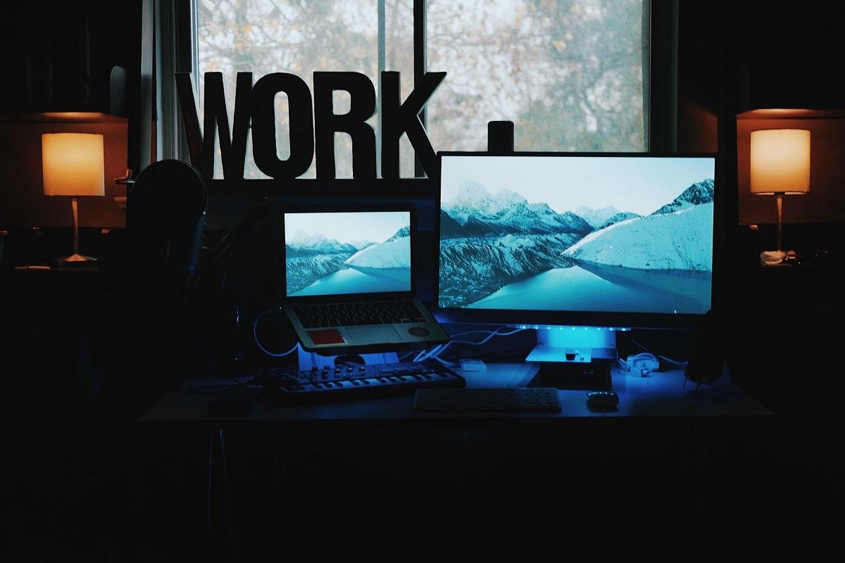 Jede(r) für sich: Arbeiten im Outsourcing-Sektor