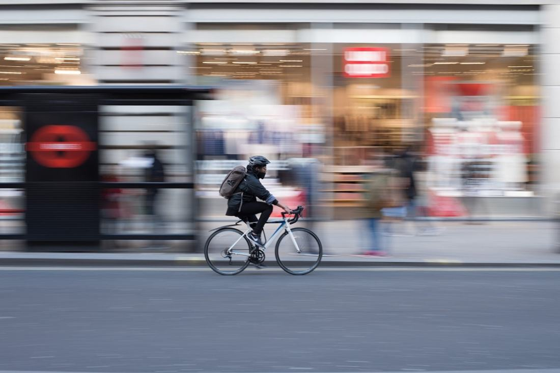 Radfahrer in London. (Foto: Roman Koester, Unsplash.com)