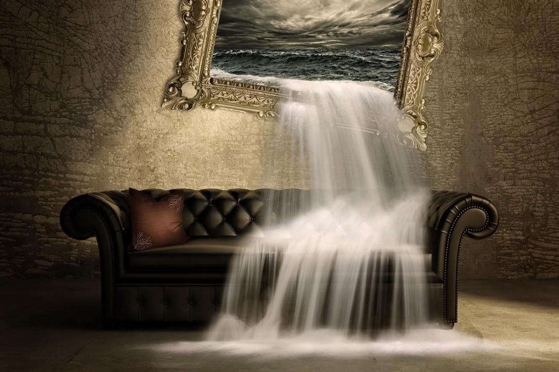 Wasserfall auf die Couch. (Illustration: Schmidsi, Pixabay.com,Creative Commons CC0)