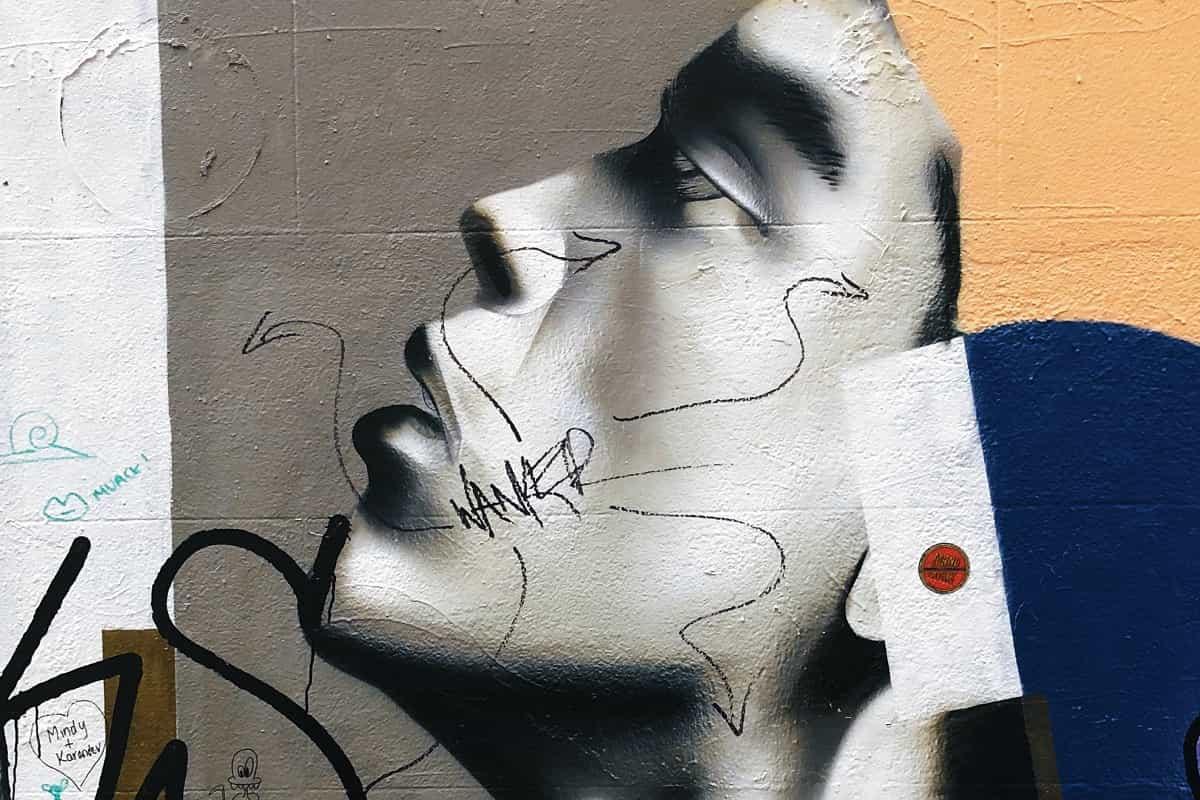 Frauengesicht als Graffiti. (Foto: Jon Tyson, Unsplash.com)